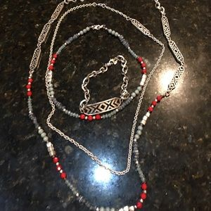 (FastForward) premier jewelry necklace. Like new.